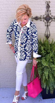 Class 60 fashion, autumn fashion, over 50 womens fashion, fashion o Fashion Over Fifty, 60 Fashion, Fashion For Women Over 40, Plus Size Fashion, Autumn Fashion, Fashion Outfits, Fashion Tips, Fashion Trends, Style Fashion