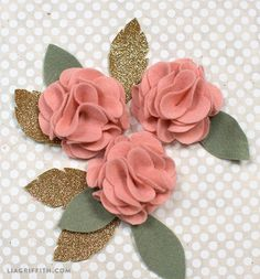 DIY Felt Flower Poms - Lia Griffith - - Make your own DIY felt flower centerpiece with these patterns and tutorials from handcrafted lifestyle expert Lia Griffith. Felt Flower Template, Felt Flower Tutorial, Felt Flower Bouquet, Felt Flower Wreaths, Diy Felt Flower Crown, Felt Flower Headbands, Flower Crafts, Diy Flowers, Fabric Flowers