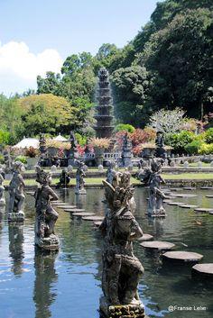 oud koninklijk waterpaleis Tirta Ganga  Oost Bali