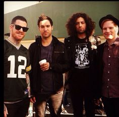 Can I just marry Joe Trohman and his glorious hair?