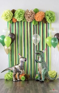 Dinosaurs may be extinct, but their timeless appeal continues to make dinosaur-themed birthday parties a roaring good time for anyone who digs the dino scene.Dinosaur Birthday Party Decorations for boys. In order to build up sense of ritual, celebrat Dinosaur Birthday Party, 4th Birthday Parties, Boys Birthday Decorations, Dinasour Birthday, Diy Dinosaur Party Decorations, Birthday Wall, Birthday Celebration, Theme Parties, Boy Theme Party