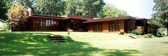 800px-Rosenbaum_House_Front_Pano.jpg (800×271)