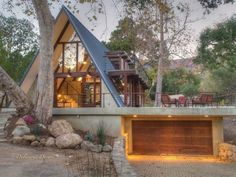 2920 Torito Rd, Santa Barbara, CA 93108 - MLS - Coldwell Banker - Extérieur de la maison A Frame House Plans, Wood Frame House, Tiny House Design, Cabin Homes, House In The Woods, My Dream Home, Future House, Architecture Design, Building Architecture