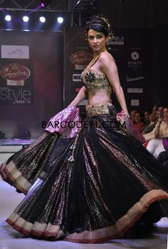 http://www.barcode91.com/ Model showing off the collection by Mumtaz Khan at Signature Premier Pune Style Week 2013