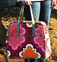The Weekender Bag by cberrybaby, via Flickr.  Pattern - Amy Butler Weekender