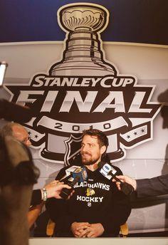 Patrick Sharp, Chicago Blackhawks Love him! Blackhawks Hockey, Hockey Teams, Chicago Blackhawks, Hockey Baby, Patrick Sharp, Stanley Cup Finals, Nhl News, Got Game, Heaven Sent