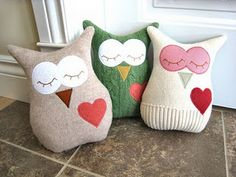 These look cute and easy @Emily Schoenfeld Schoenfeld Schoenfeld Schoenfeld Waeltz, no pattern though
