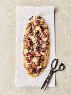 My favourite speedy sausage pizza | Jamie Oliver recipes Sausage Pizza Recipe, Veggie Sausage, Sausage Recipes, Pizza Recipes, Cooking Recipes, Dinner Recipes, Batch Cooking, Drink Recipes, Quiches