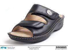 K805-24-01: slippers for women