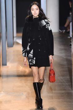 John Galliano Fall 2015 Ready-to-Wear Fashion Show Collection