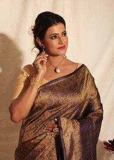 Indian Silk Sarees, Tussar Silk Saree, Kanchipuram Saree, Pure Silk Sarees, Beautiful Saree, Beautiful Women, Older Women Fashion, Womens Fashion, Sari Shop