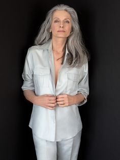 Marian Moneymaker in 2020 Grey Hair Over 50, Long Gray Hair, Blonde Hair Over 50, Grey White Hair, Silver Grey Hair, Grey Hair Model, Grey Hair Styles For Women, Silver Haired Beauties, White Hair
