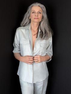 Marian Moneymaker in 2020 Grey Hair Over 50, Long Gray Hair, Blonde Hair Over 50, Grey White Hair, Silver Grey Hair, Daniel Golz, Grey Hair Model, Grey Hair Styles For Women, White Hair