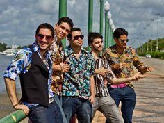 A banda pernambucana Faringes da Paixão faz um show tocando os maiores sucessos do Rei do Brega na praça do Marco Zero, a partir das 15h30.