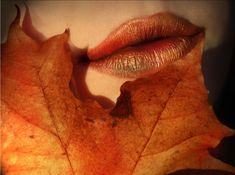 Elvenkingdom's Autumn Makeup. I like the autumn colors smeared over lipstick.