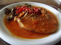 Edith genießt! Rezepte für's Leben ...: Cotolette di maiale brasate con pomodoro, panna e ... Pork, Beef, Porcini Mushrooms, Tomatoes, Cooking, Food Food, Kale Stir Fry, Meat