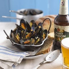 Mussels Steamed in Beer | Fox News Magazine