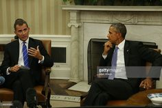 King Felipe VI of Spain (L) speaks during a meeting with US President Barack Obama in the Oval Office at the White House September 15, 2015 in Washington, DC. King Felipe VI and Queen Letizia are visiting Washington in an effort to reinforce the American-Spanish relationship.  (Photo by Mark Wilson/Getty Images)
