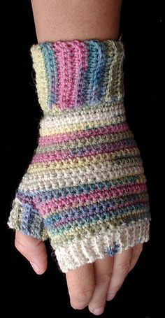 Sunshine's Creations.Vintage Threads Inc.: crochet fingerless gloves