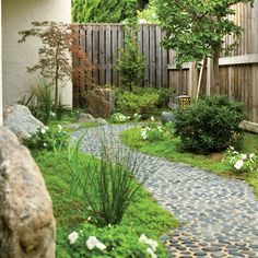 Set pebble path - Landscaping Ideas with Stone - Sunset