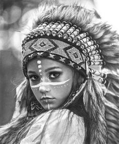 Graphite Drawings, Pencil Drawings, Make India, Native American Drawing, Manga Anime, Indian Costumes, Smile Face, Girl Face, Black And Grey Tattoos