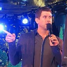 Oh dear lots like Séb has lost his way who wants to show him where to go? Don't all jump at once! Goodnight everyone and thank you Alexandra Bedea for our end photo tonight #sebsoloalbum #teamseb #sebdivo #sifcofficial #ildivofansforcharity #sebastien #izambard #sebastienizambard #ildivo #ildivoofficial #sebontour #singer #band #musician #music #concert #composer #producer #artist #french #handsome #france #instamusic #amazingmusic #amazingvoice #greatvoice #tenor #teamizambard