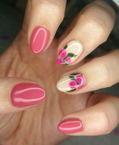 Nail art gel hand drawn pink roses flower detail