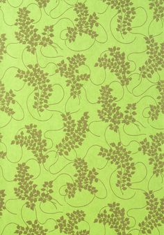 Spring #wallpaper in #metallic #gold on #celery from the Avalon collection. #Thibaut #Floral