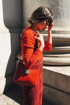 Εμφανίσεις... στο κόκκινο | μοδα , street style | ELLE