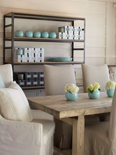Beautiful and simple  dining room