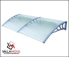 Parasol en policarbonato resistente al sol nuevo y a un muy buen precio.