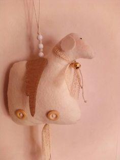 """""""Angel sheep"""" agnellini alati, interamente fatti a mano"""