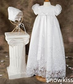 98.00$  Watch now - http://ali36n.worldwells.pw/go.php?t=32588695608 - 2016 Appliques and Bow Lace Baby Girl White/Ivory A-line First Communion Dresses Christening Gown Baptism Dress with bonnet 98.00$