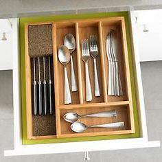 KnifeDock.com > Bamboo Cutlery Tray with Knife Dock
