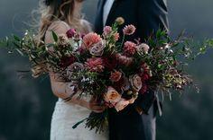 wild autumn bouquet | green wedding shoes