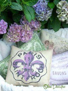 ❥ French Fleur de Lis pillow