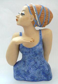 Keramik-Büste: Frau in Blau