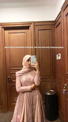 Hijab Gown, Hijab Dress Party, Hijab Style Dress, Casual Hijab Outfit, Dress Outfits, Fashion Dresses, Kebaya Modern Hijab, Model Kebaya Modern, Gaun Dress