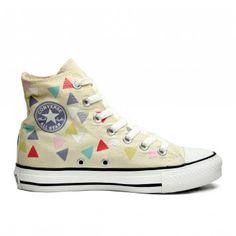 Chuck Taylor High Top All Star HI Confetti Plimsolls Sock Shoes, Cute Shoes, Me Too Shoes, Painted Sneakers, Painted Shoes, Converse Sneakers, Diy Converse, Converse High, Buy Sneakers Online