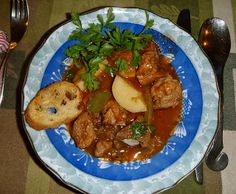 Slovenian Roots Quest: Slovenian Dinner Week Bograč, Goulash Soup to Revive a Weary Traveller Goulash Soup, Stew, Slovenian Food, American Kitchen, World Recipes, Pork Loin, Salad Recipes, Cabbage, Curry