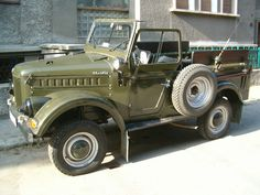 Romanian ARO M461 Old Jeep, Jeep 4x4, Custom Trucks, Old Cars, Cars And Motorcycles, Military Vehicles, Antique Cars, Classic Cars, Jeeps