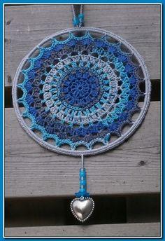 Raamhanger / Mandala gehaakt van katoen doorsnee 20 cm