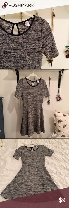 Little Grey Dress Selling this cute gray/black&white dress that sadly doesn't fit me anymore. Adorable for thanksgiving/winter holidays. Cute black keyhole on the back. True to size with flattering waistline shape. ❄️ same day shipping ❄️ H&M Dresses Mini