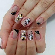 Unhas decoradas com adesivos, unhas rosa decoradas, belas unhas decoradas, adesivos de unhas Nails Now, Get Nails, Basic Nails, Short Nails Art, Nail Patterns, Square Nails, Cool Nail Designs, Stylish Nails, Nail Care