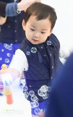 """Find and save images from the """"*ω* The Triplets *ω*"""" collection by ✩ KIM DAE RI ✩ (kim_daeri) on We Heart It, your everyday app to get lost in what you love. Little Babies, Cute Babies, Superman Kids, Korean Tv Shows, Man Se, Song Triplets, Song Daehan, Baby Corner, Asian Babies"""