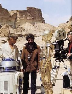 Stock Photo - Star Wars: Episode IV - A New Hope Year : 1977 USA Director : George Lucas Mark Hamill, George Lucas, Anthony Daniels, Kenny Baker Shooting picture Saga, Cuadros Star Wars, Star Wars Episode Iv, Star Wars Pictures, Film Pictures, Mark Hamill, George Lucas, A New Hope, Por Tv