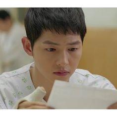 Instagram fotó www.pixmac.hu songjoongkionly - ~ 14. rész értékelése: 33%  harci #DOTS ⚡