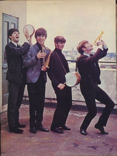 Paul McCartney, George Harrison, Richard Starkey, and John Lennon (Rare Beatles). Why so cute?