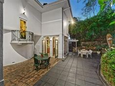 Art deco masterpiece and riverside mansion Ivanhoe trophy listings