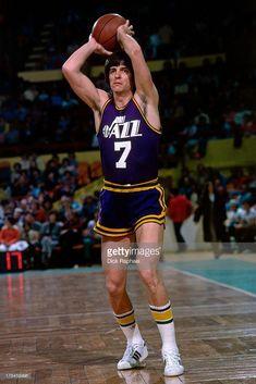 News Photo : Pete Maravich of the Utah Jazz passes the ball. New York Basketball, Jazz Basketball, Basketball Leagues, Basketball Pictures, Basketball Legends, Basketball Players, Basketball History, Utah Jazz, 1992 Olympics